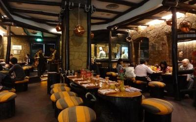1432030230_bukhara-vrestaurant3.jpg'